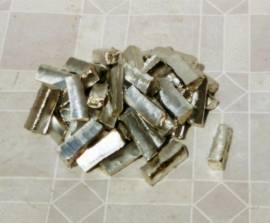 001 Reinzinn Sn99 Gießmetall kleinstückig - Bild vergrößern